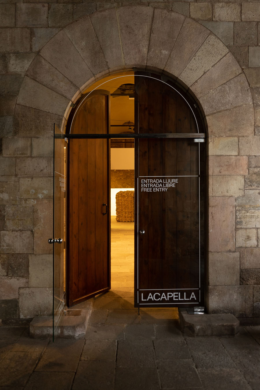 LACAPELLA – defining a new exhibition space | FOLCH
